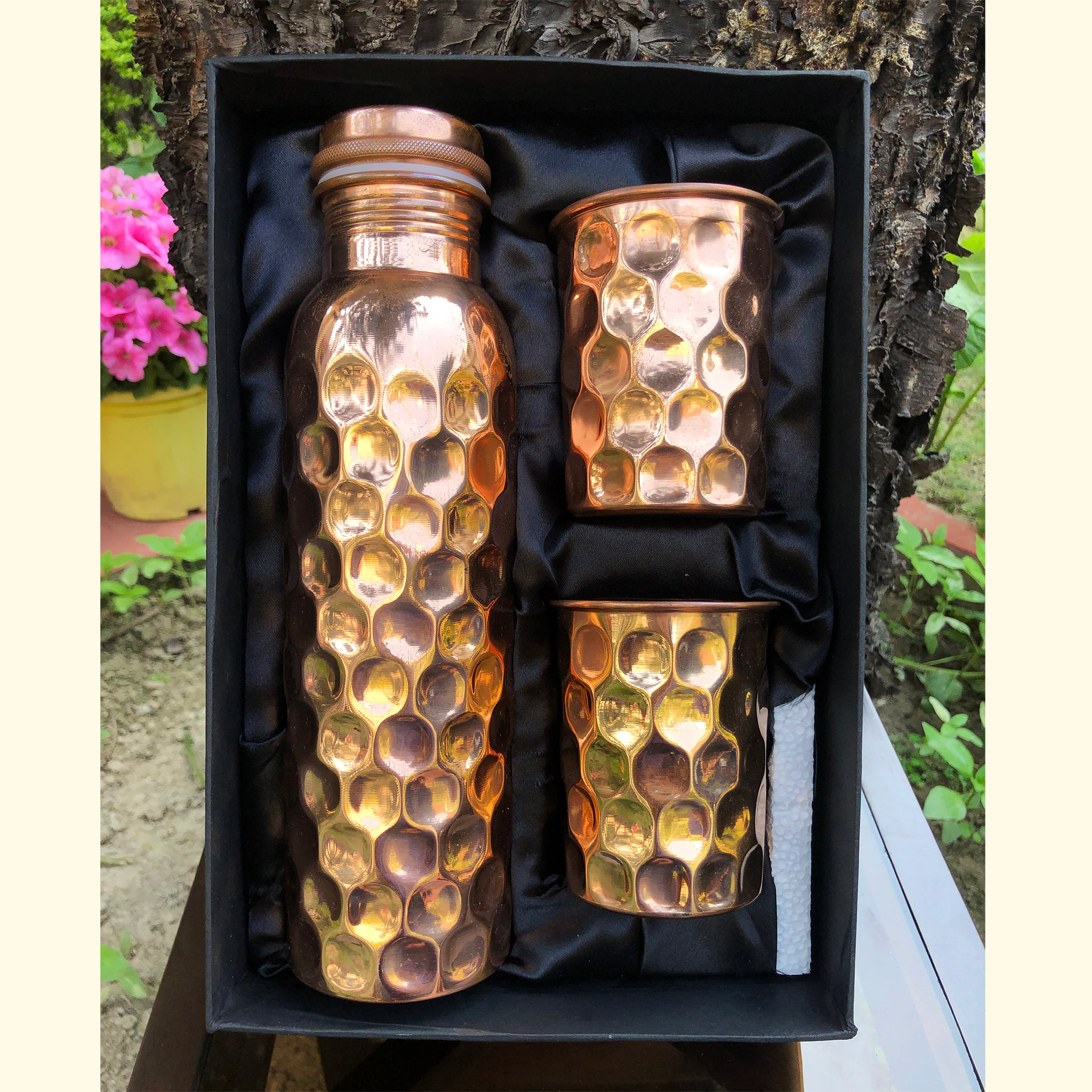 pure-copper-water-bottle-with-two-glass-set