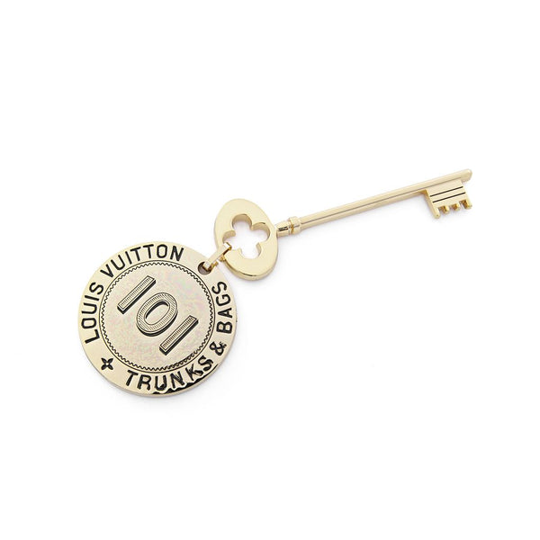 LOUIS VUITTON Limited Edition Gold Metal Key Magnet Accessory