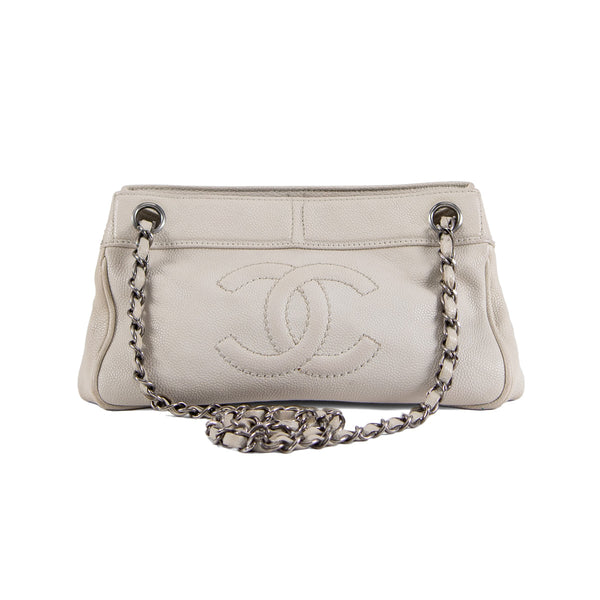 Second Hand Chanel Beige Shoulder Bag