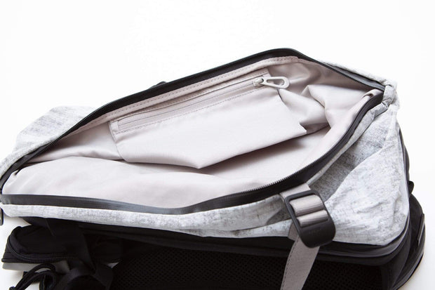 coteetciel Backpack Light Grey Ashokan Creased Light Grey côte&ciel US 28827