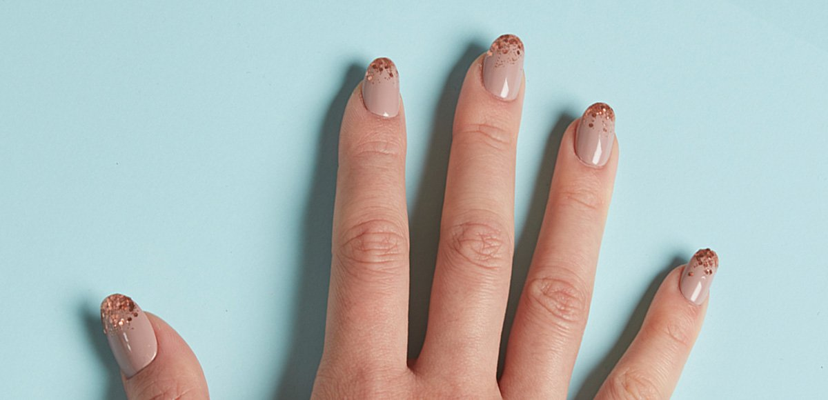 Tutorial: sparkly glitter tip nails!