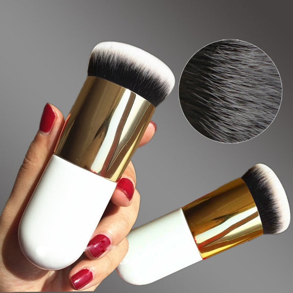 Flat Foundation Brush White and Gold