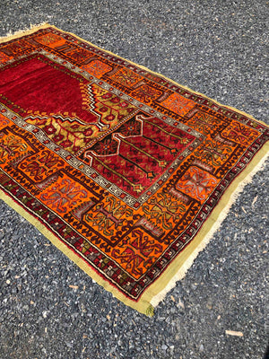 Inlice Turkish Prayer Rug 220x136cms