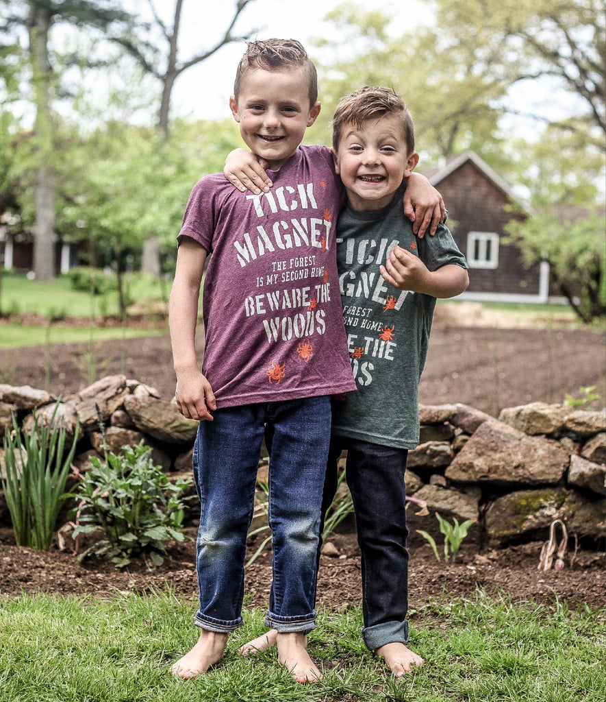 KIDS TICK MAGNET TEE - FOREST HEATHER