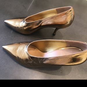 Dries Van Noten  Metalic Gold  Pointy heel