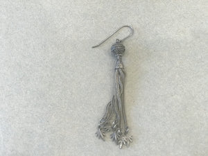 J-S-Productions 19th C Silver Hair Leaf Earirng