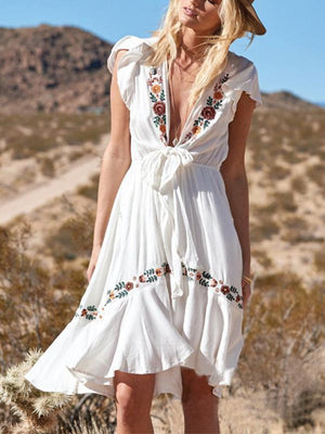 Bohemian Embroidery Short Sleeves Deep V-neck Lace Up Mini Dresses