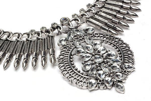 Fashion Vintage Alloy Diamonds Exaggerated Clavicle Necklace - Voguetide