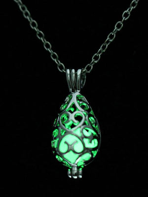 Hollow Luminous Alloy Pendant Necklace - Voguetide