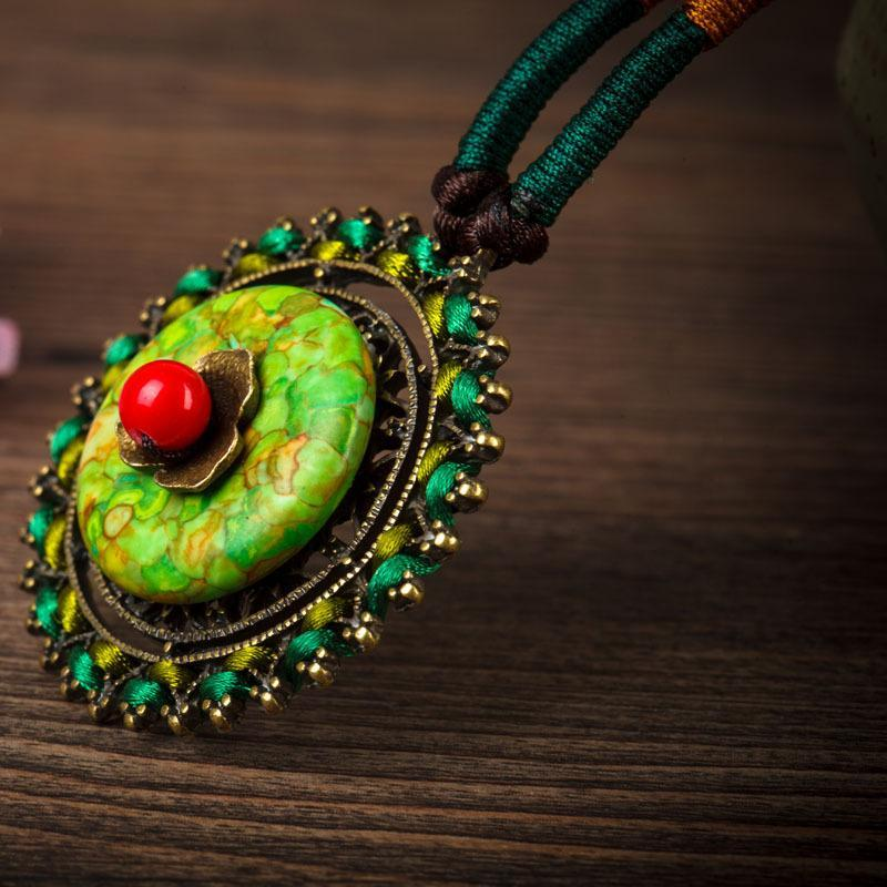 Long green fall retro ethnic necklace