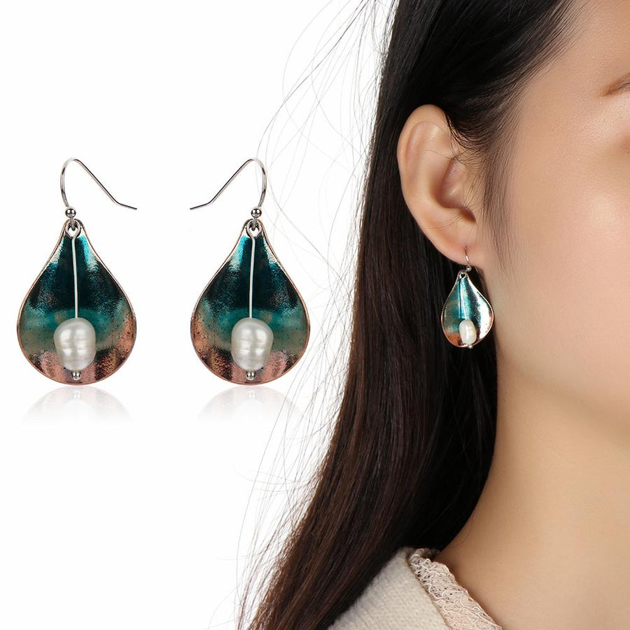 Retro Alloy Unique Shell Small Pearl Pendant Drop Earrings
