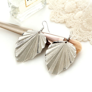 Leaf pattern Pendant Earrings for women exaggerated style simple alloy earrings for Xmas party - Voguetide