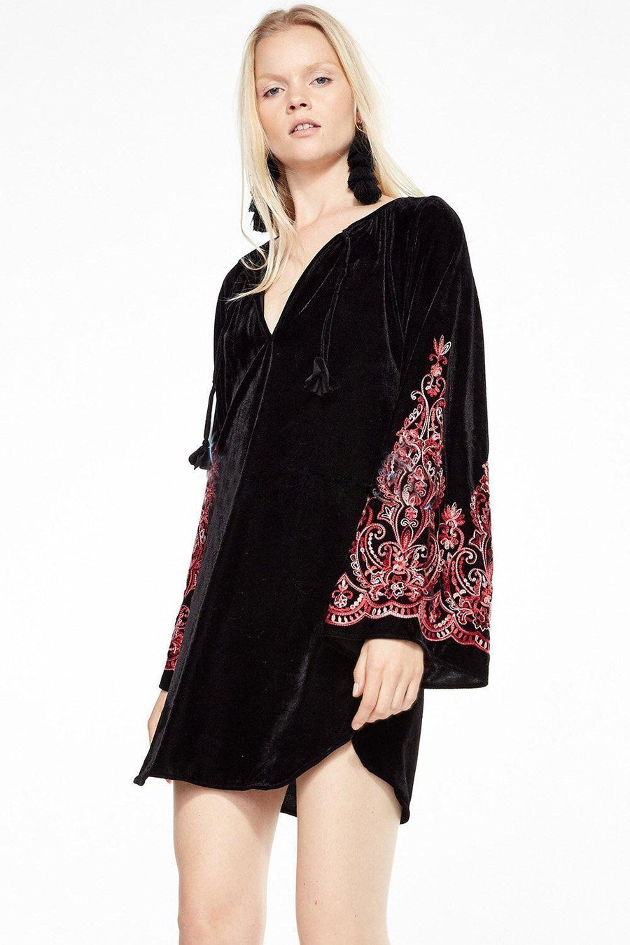 Velvet speaker sleeves exquisite embroidery black lace dress