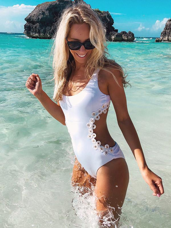 Sexy Flower Rivet Lattice Summer Beach One-piece Swimsuit