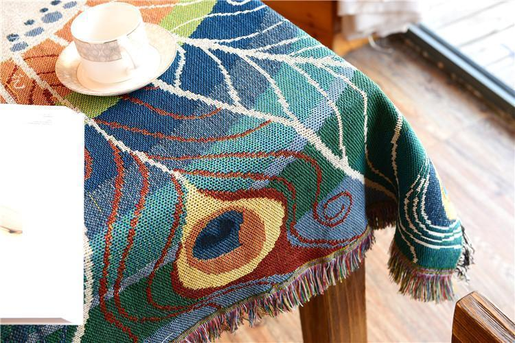 Rustic Style Jacquard Peacock Tassel Throw Blanket