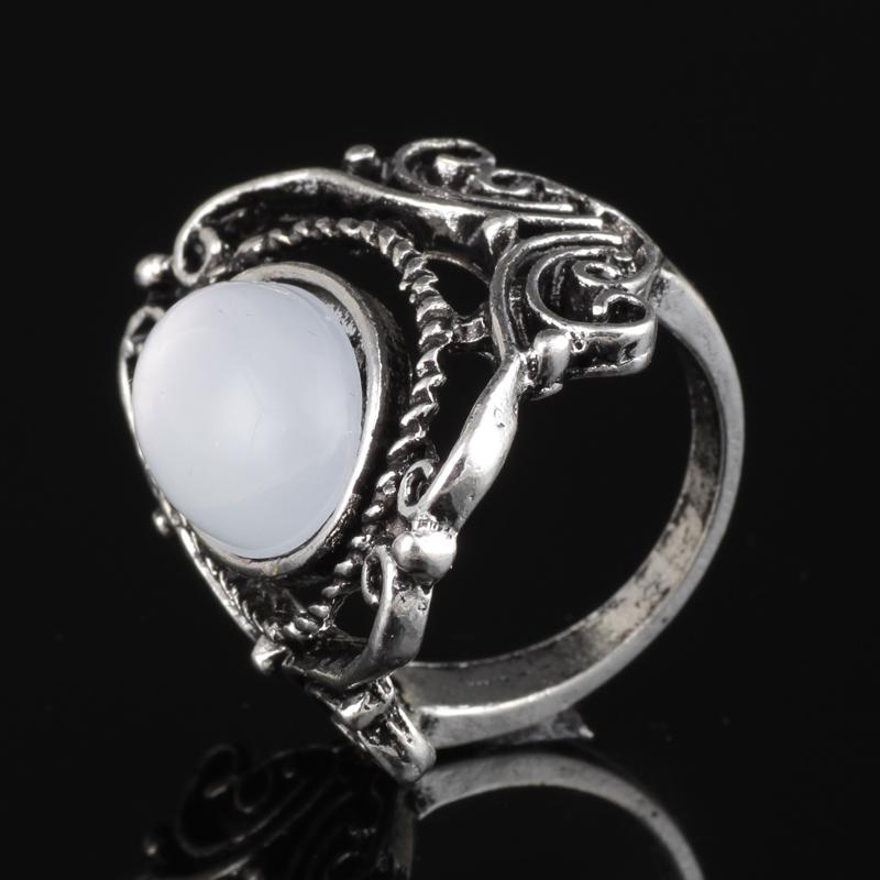 Vintage Large Oval Moonstone Boho Ethnic Antique Silver Pattern Finger Ring