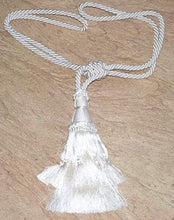 Load image into Gallery viewer, King Arthur Trim Single Bell Tassel