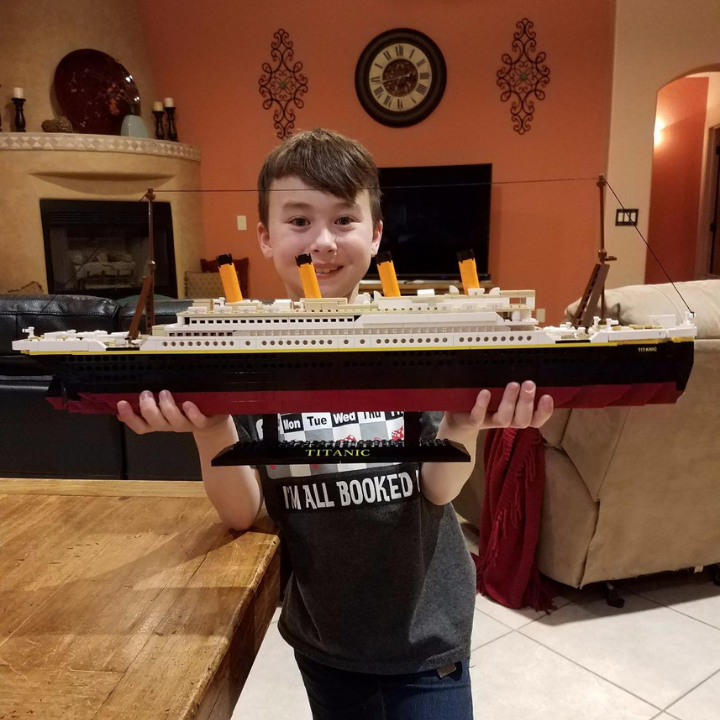 Titanic  Lego Set (DIY building block).