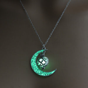 Glowing Crescent Moon Necklace, Moon Pendant Glowing Orb Necklace,glow in the Dark Necklace,moon Necklace,twilight Necklace