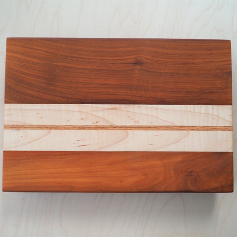 Niove and Maple Cutting Board