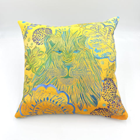 Lion Friend Among the Blooms Linen Pillow