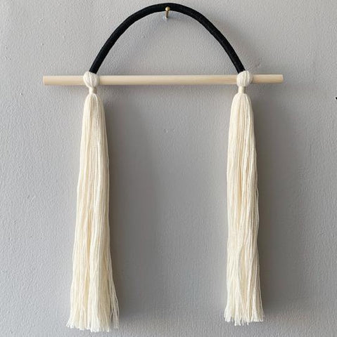 Horizon Hanging Wall Tassel