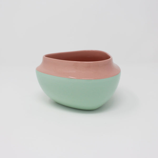E. Lo Ceramic Top Curve Cereal Bowl Pink Bermuda