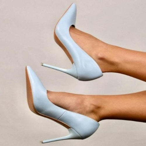 Giselle's Pointed Pumps