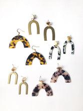 Load image into Gallery viewer, Tortoise Shell Arch Earrings
