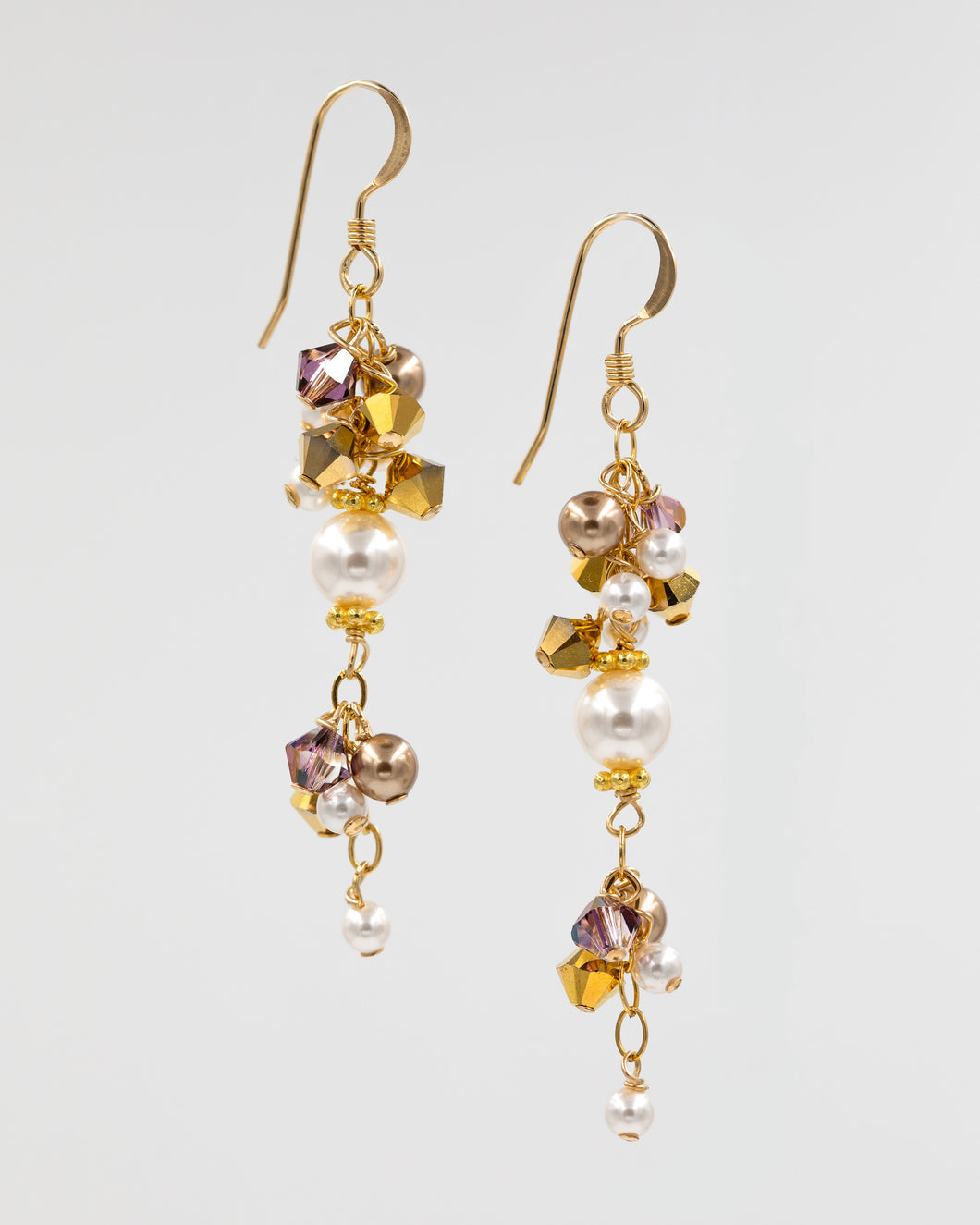 Picture of earrings with Swarovski pearls and crystal