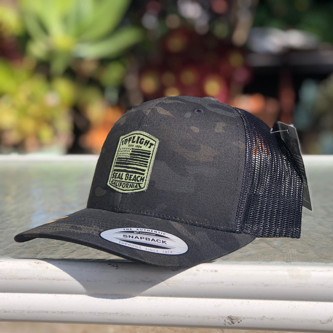 FLAGGED TRUCKER - BLACK MULTICAM
