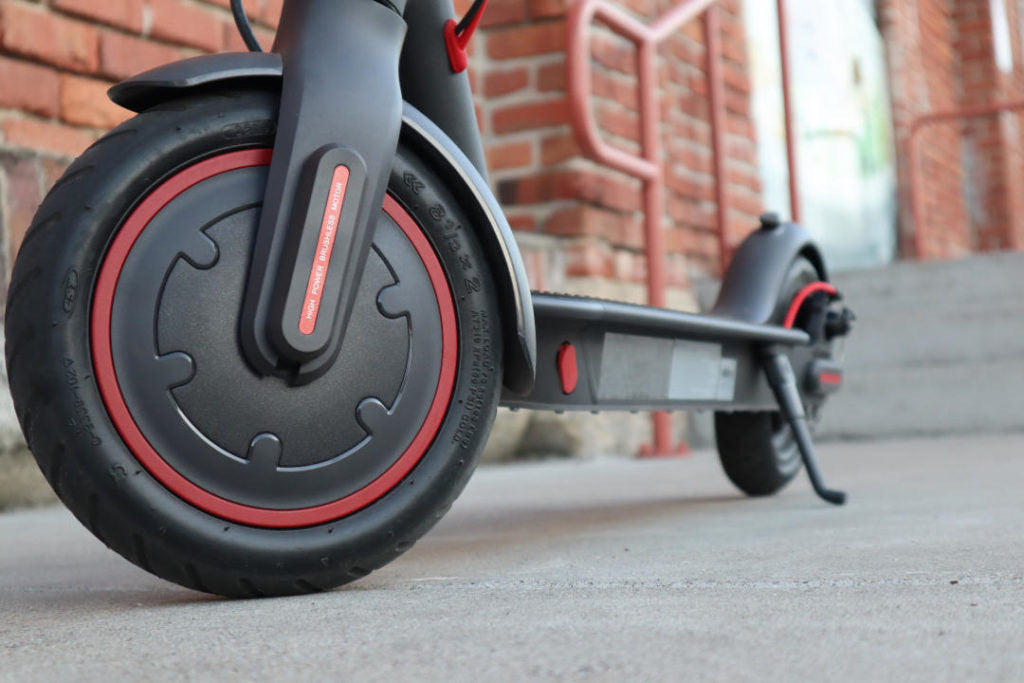 "SPACE BLACK— ""POWERGLIDE"" Electric Scooter PRO"