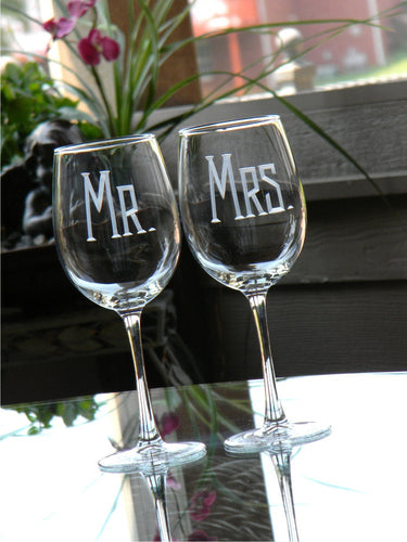 Hand Cut Mr. & Mrs. Wine Glass | Set of 2