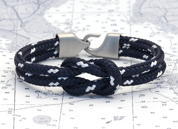 Newport Navy & White