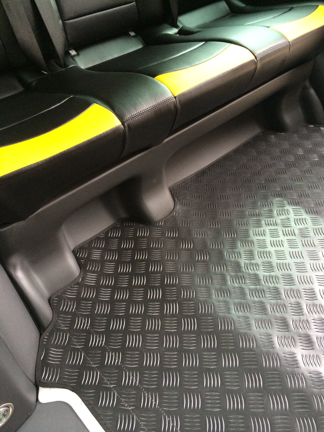 Mercedes VITO 114 London Taxi Rear RUBBER Over Mat