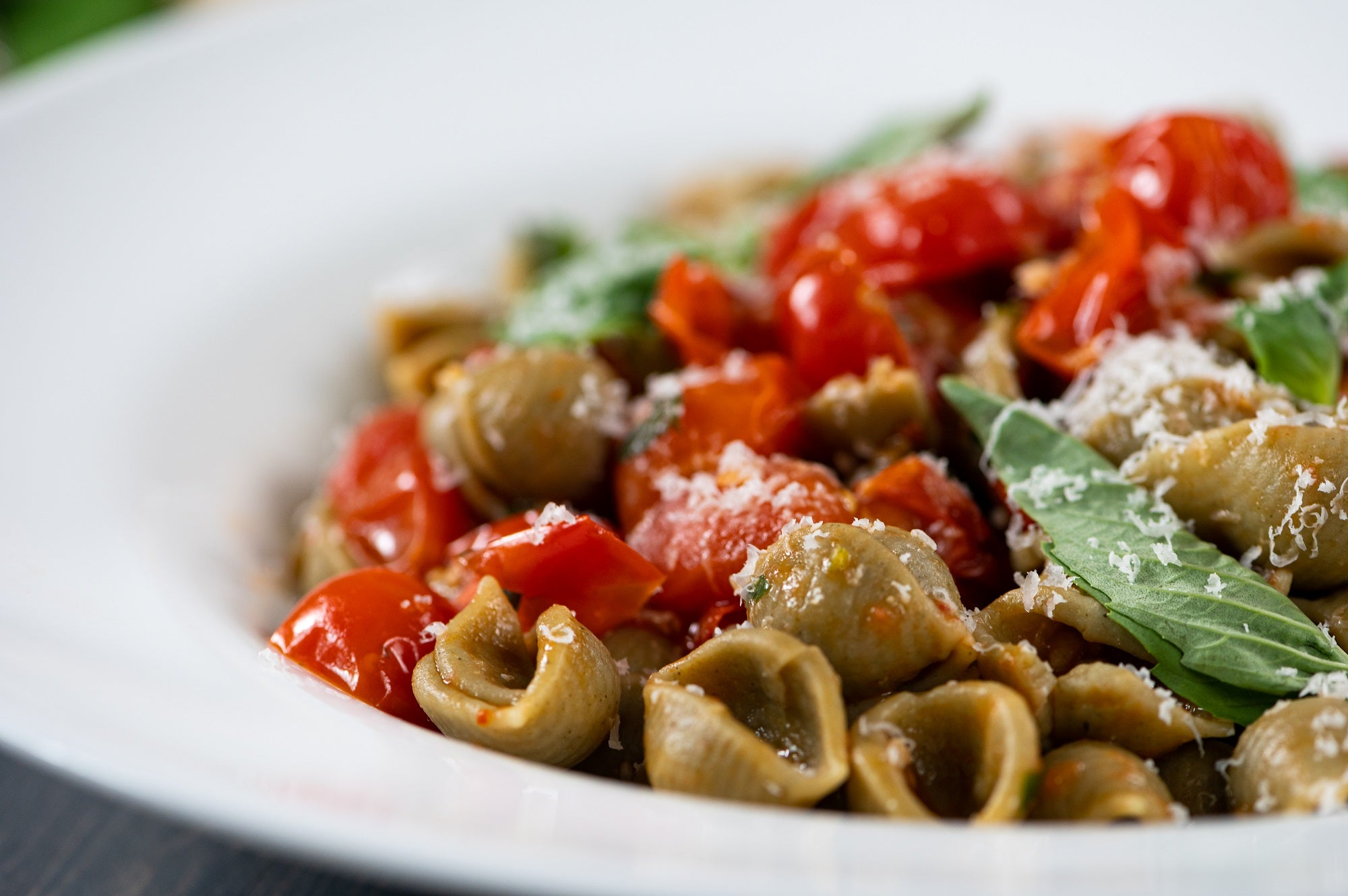 Spinach Shells with Cherry Tomato Sauce & Basil
