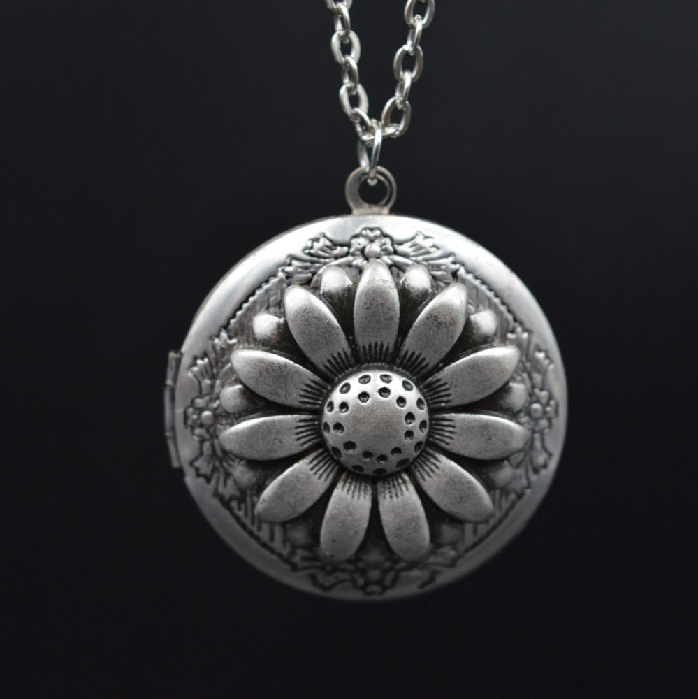Antique Silver Daisy Locket Necklace Christmas Hanukkah Gift For Wife Sister Bride Bridesmaid Wedding Jewelry XSH259