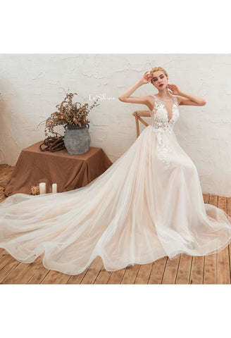 Image of Beach Bride Dresses Stereoscopic Fairy Lace Tailing - 1