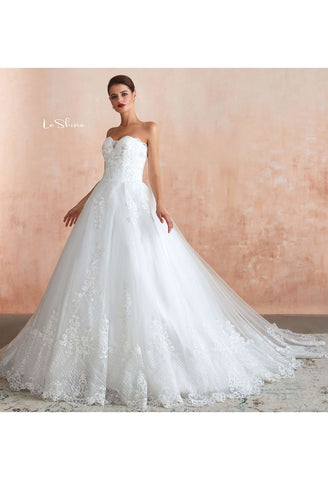 Image of Vintage Bride Dresses Sweetheart Neckline Open Back Ball Gown with Lace Tulle - 1