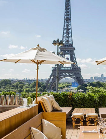An ultimate guide to Paris By Eva Galambos