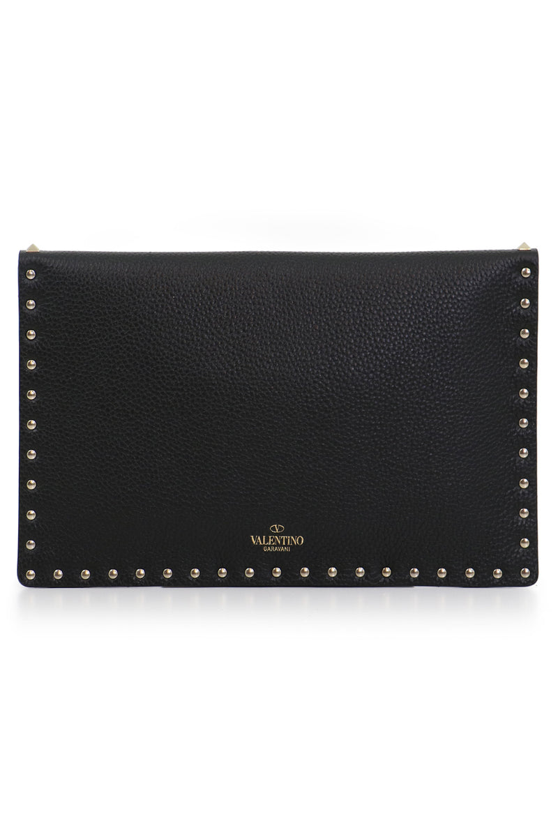 ROCKSTUD ENVELOPE POUCH GRAINED LEATHER BLACK