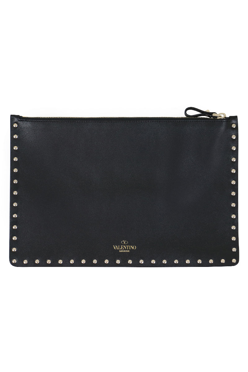 ROCKSTUD FLAT POUCH SMOOTH LEATHER BLACK