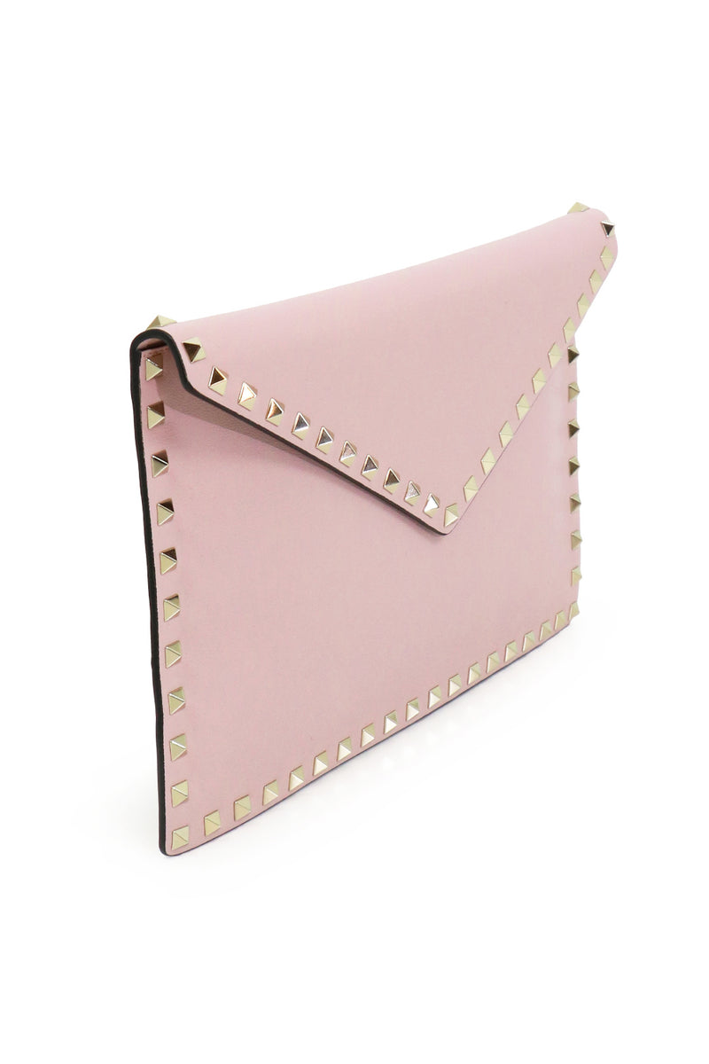 ROCKSTUD ENVELOPE POUCH SMOOTH LEATHER WATER ROSE