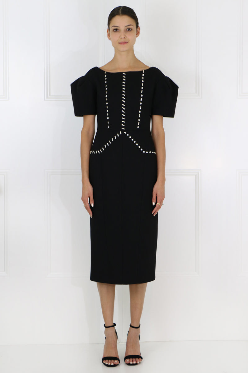 STRUCTURED EMBELLISHED DRESS S/S BLACK