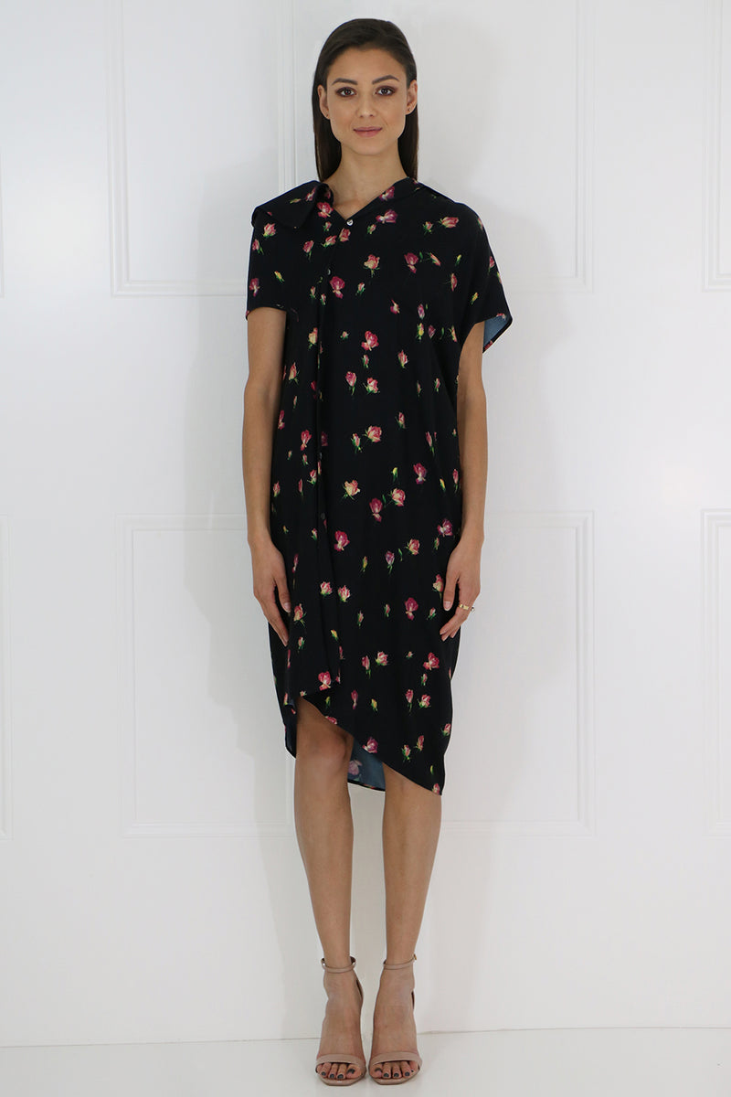 ROSE PRINT ASYMMETRIC BUTTONED DRESS S/S BLACK/PINK