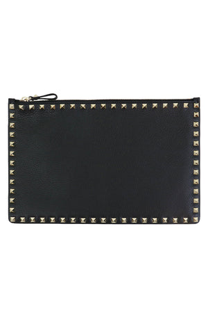 ROCKSTUD FLAT POUCH GRAINED LEATHER BLACK