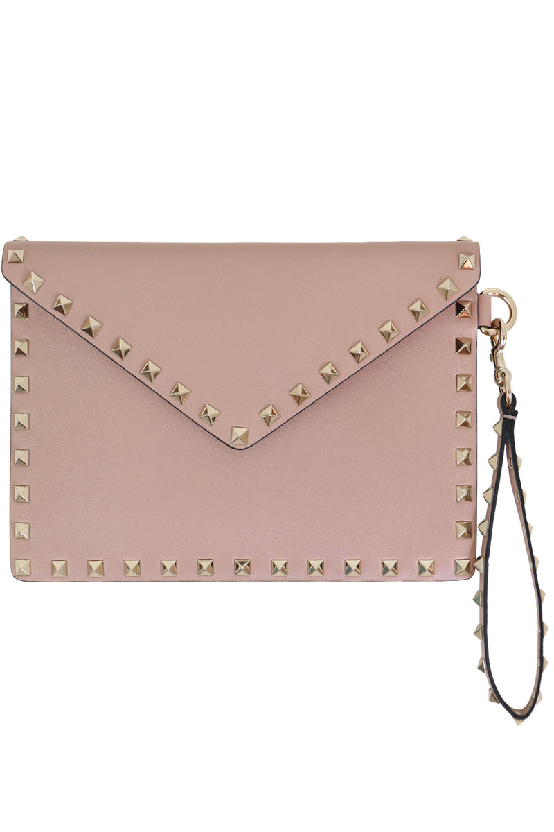 SMALL ROCKSTUD ENVELOPE POUCH SMOOTH LEATHER POUDRE