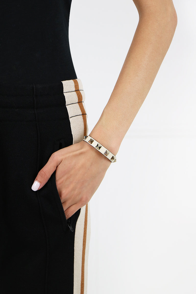 ROCKSTUD LEATHER CUFF LIGHT IVORY