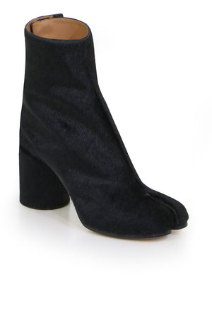 CLASSIC TABI ANKLE BOOT BLACK PONYHAIR