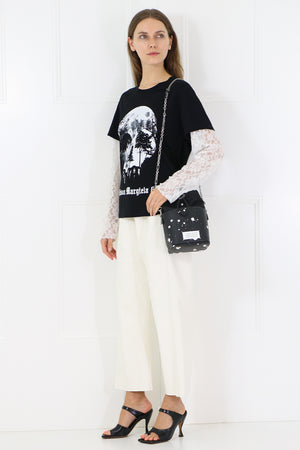 GRAPHIC L/S T-SHIRT WITH LACE SLEEVES BLACK